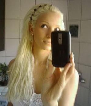 Blondes Luder sucht Sex - ThePink (24) aus Unterhaching